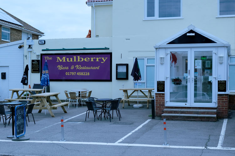 the-mulberry-outdoor-seating-greatstone